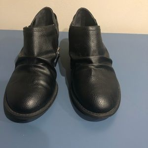 Dr Scholls black short booties